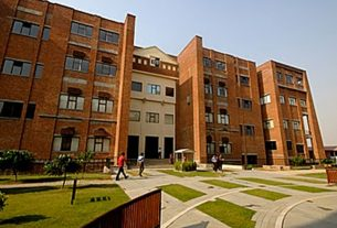 list of top private universities in Delhi NCR